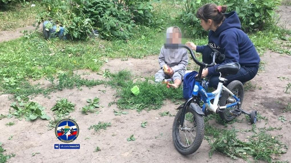 В Новосибирске мальчик травмировал ногу из-за неправильной обуви