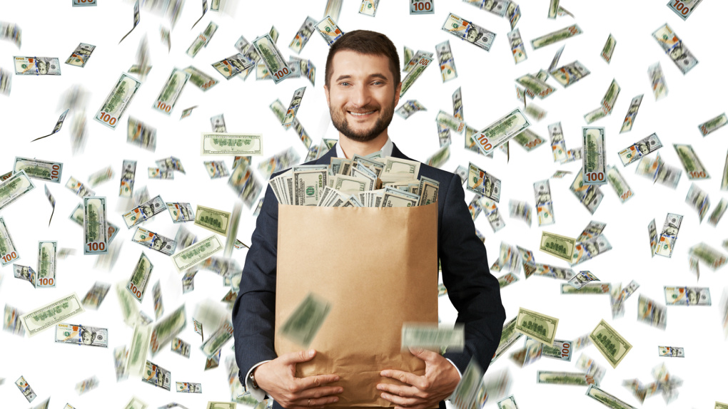 Два жителя Новосибирска выиграли крупную сумму в лотерею