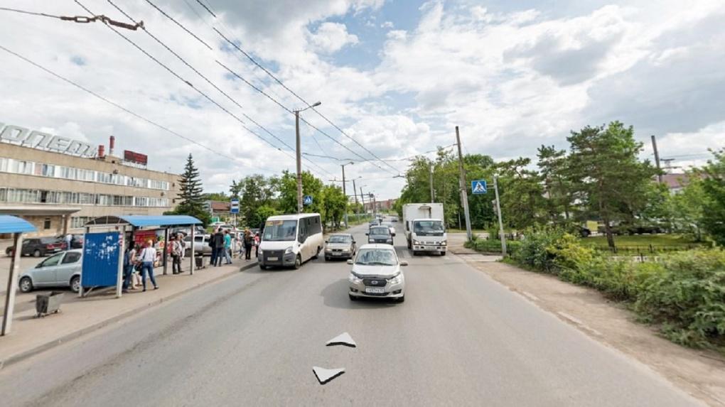 Омский «Полет» ради Путина собирается массово рубить тополя