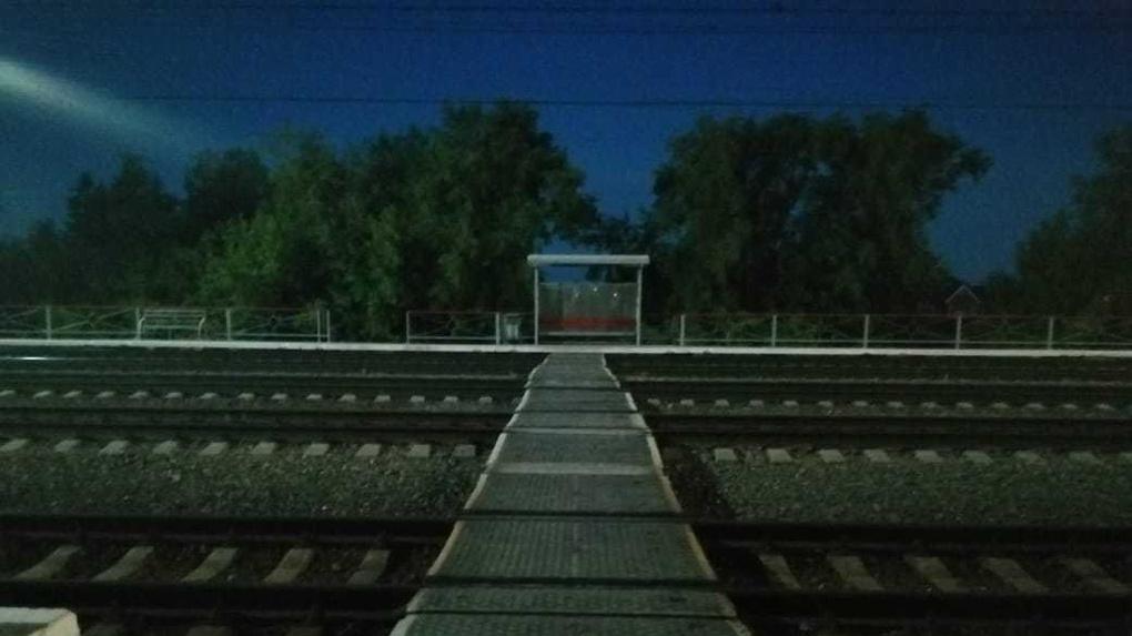 В Новосибирске поезд разрезал 43-летнего инвалида