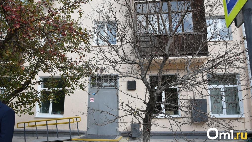 Бывший омский депутат судится с администрацией из-за перепланировки квартиры