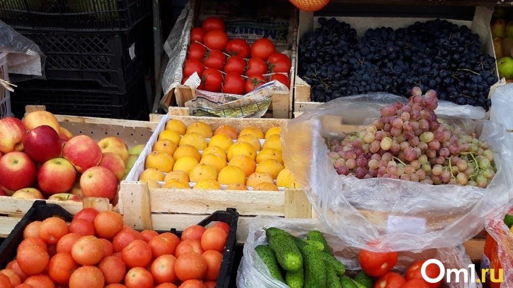 Черлакский рынок в Омске закрывают на карантин – СМИ