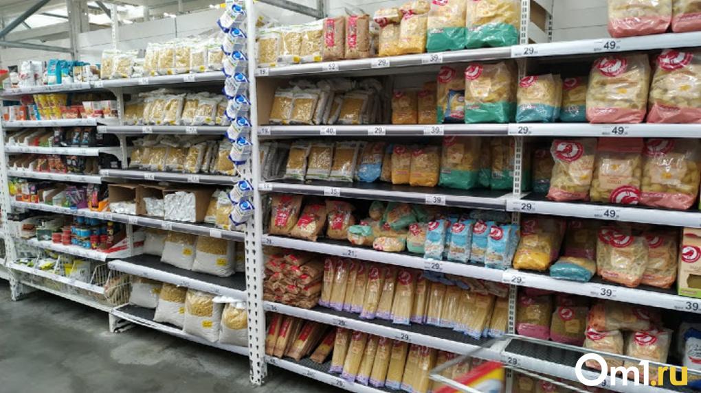 На продуктовые наборы для малообеспеченных семей в Омской области выделяют 20 млн рублей