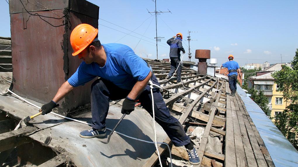 Бурков рекомендовал Фролову делать по программе капремонта не только крыши