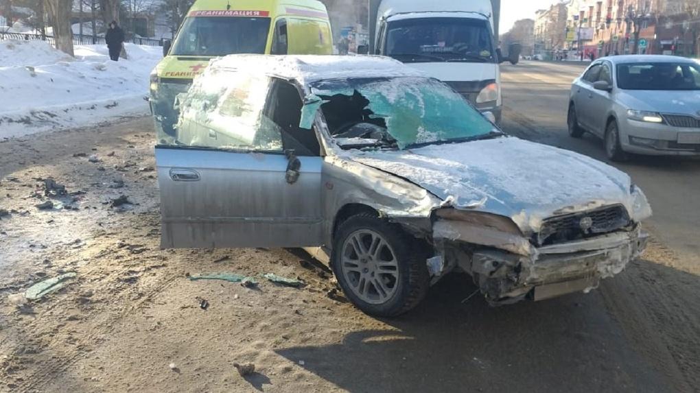 Автоледи с признаками алкогольного опьянения столкнулась с газелью на левом берегу Новосибирска