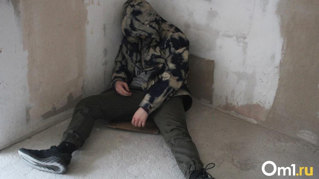 Молодой омич с тяжелой внебольничной пневмонией едва не умер в собственной квартире