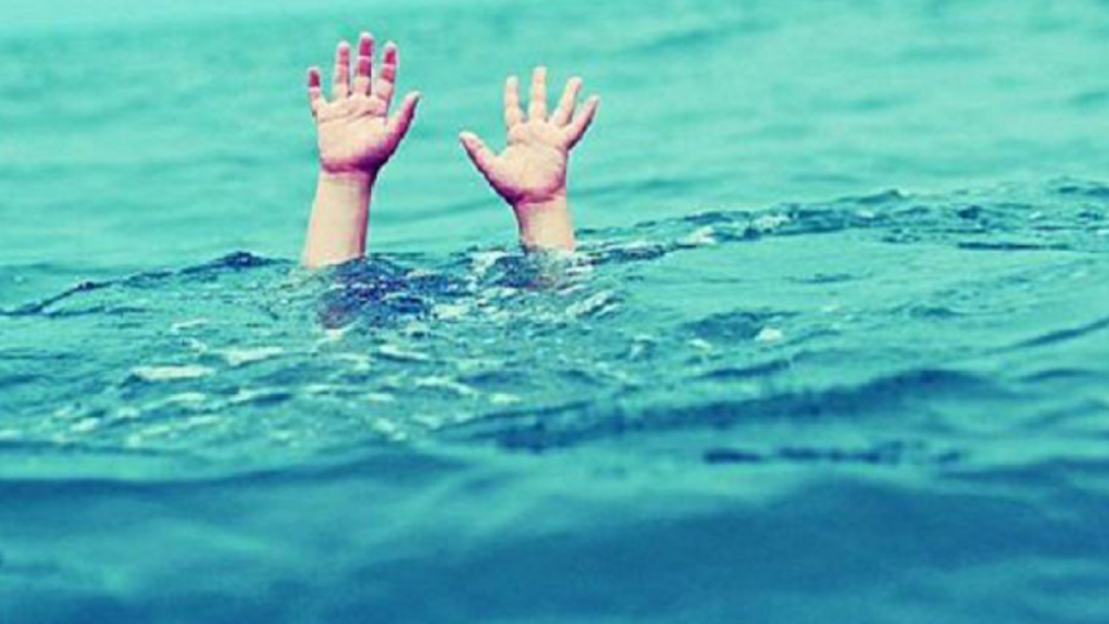 В бассейне парк-отеля «Мечта» чуть не утонул школьник из Омска