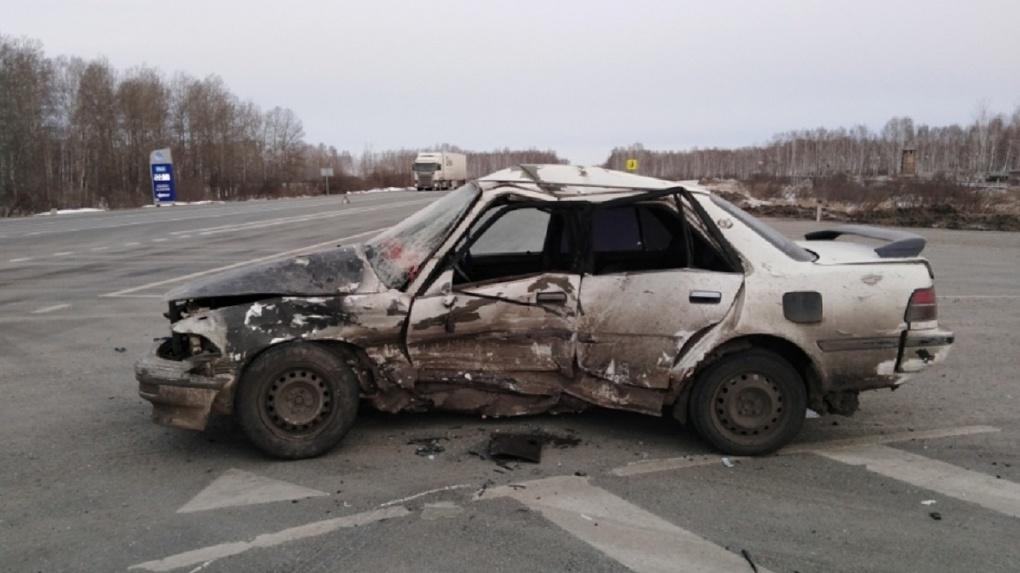 Жуткое ДТП под Новосибирском: пассажир скончался на месте, водитель чудом выжил