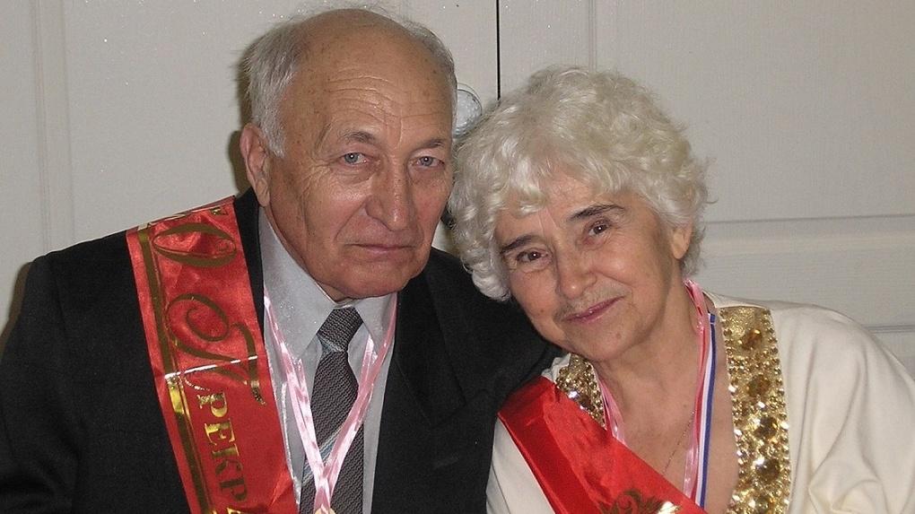 С первого курса вместе: бриллиантовую свадьбу отпраздновала семейная пара из Новосибирска