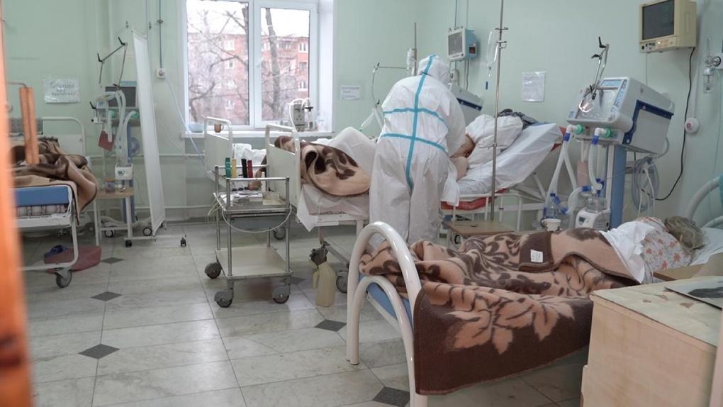 «Нагрузка большая, но все справляются». Омская медсанчасть № 7 начала принимать коронавирусных пациентов
