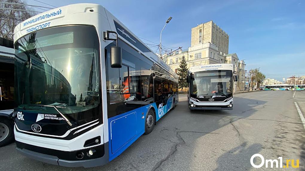 В Омске выбирают маршруты для троллейбуса, который пустят по шахтам метромоста