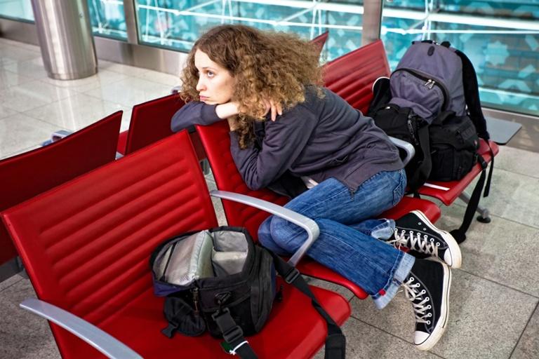 Полет откладывается. Что делать пассажиру, если рейс задерживается?