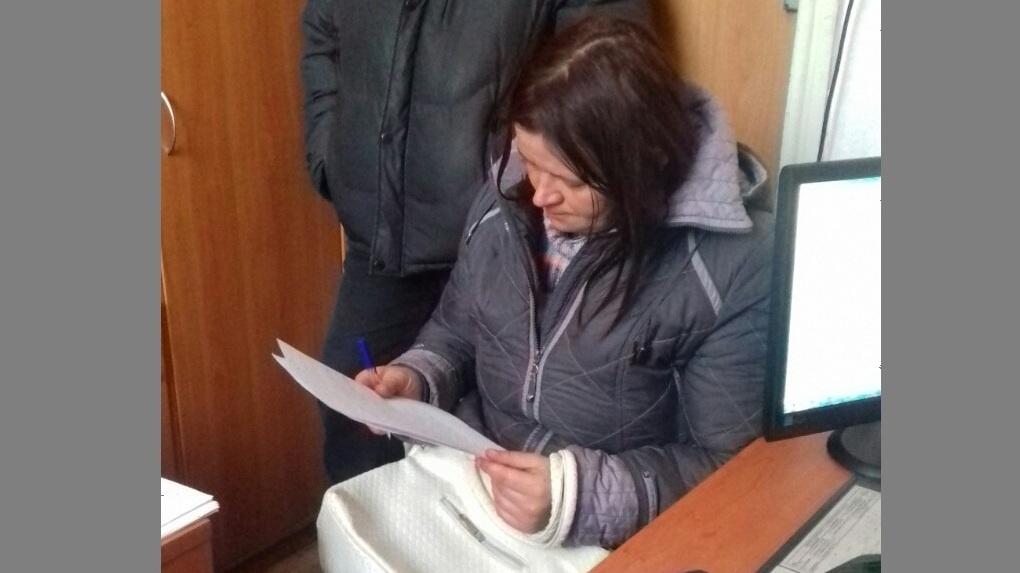 Омские полицейские нашли мать, оставившую свою 3-летнюю дочь незнакомой женщине