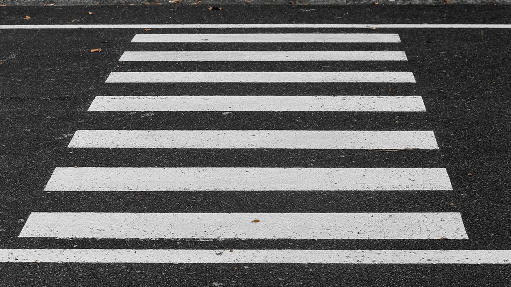 Водитель маршрутки сбил омского школьника на «зебре»