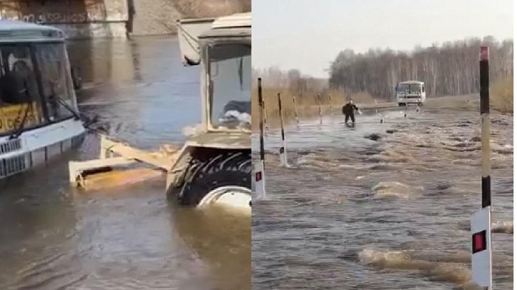 Отрезаны от суши: талые воды подтопили дорогу к посёлкам в Новосибирской области