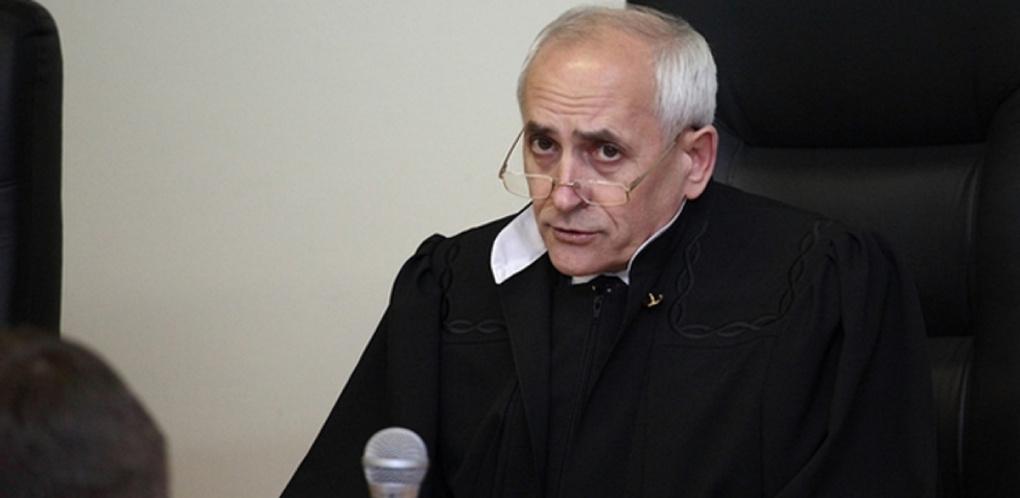 Полномочия омского судьи Москаленко наконец приостановили