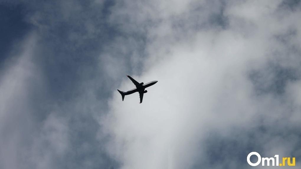 Пассажир авиарейса до Новосибирска скончался перед взлётом