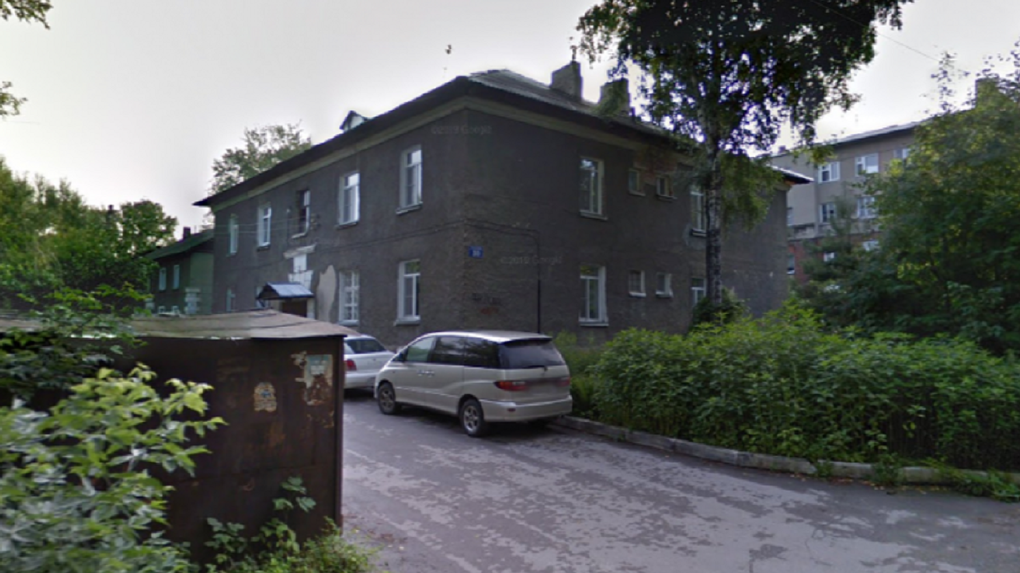 Мэрия Новосибирска расселяет три аварийных дома в старинном военном городке