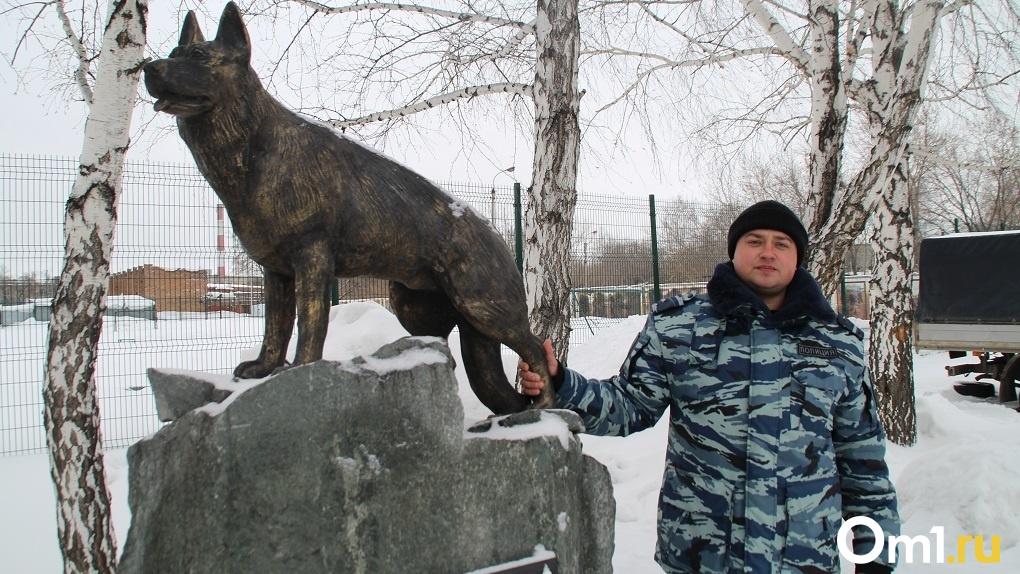 «Грудью закрыла хозяина и погибла»: новосибирские кинологи рассказали про собак-героев