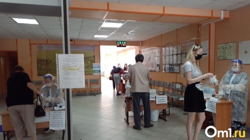 В Новосибирске председатель скандального избирательного участка признался в незаконной выдаче бюллетеней