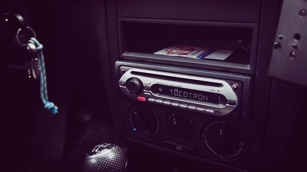 В Омске будут штрафовать любителей послушать музыку в машине на полную громкость