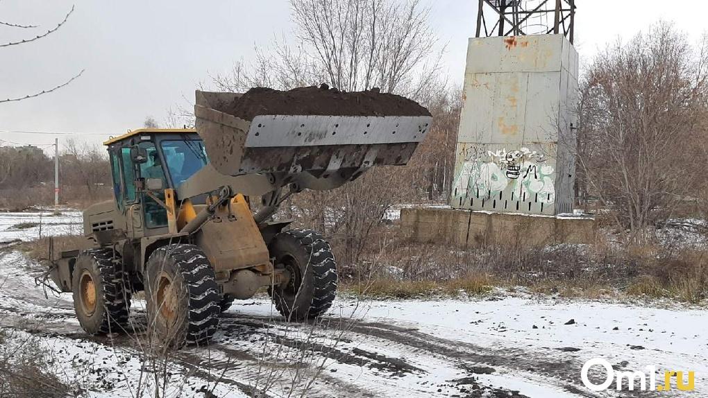 Бизнес-центр-долгострой снесли на Красном проспекте в Новосибирске