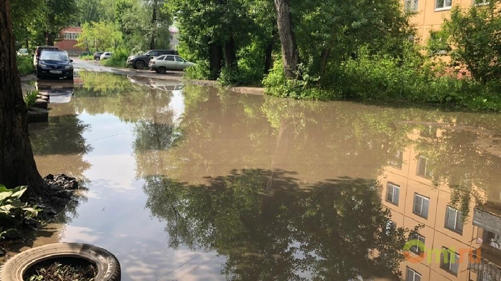 Омские чиновники борются с потопом, ожидая, пока он испарится