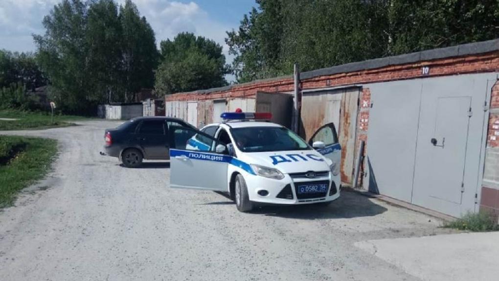 Новосибирские автоинспекторы задержали водителя, который насмерть сбил женщину