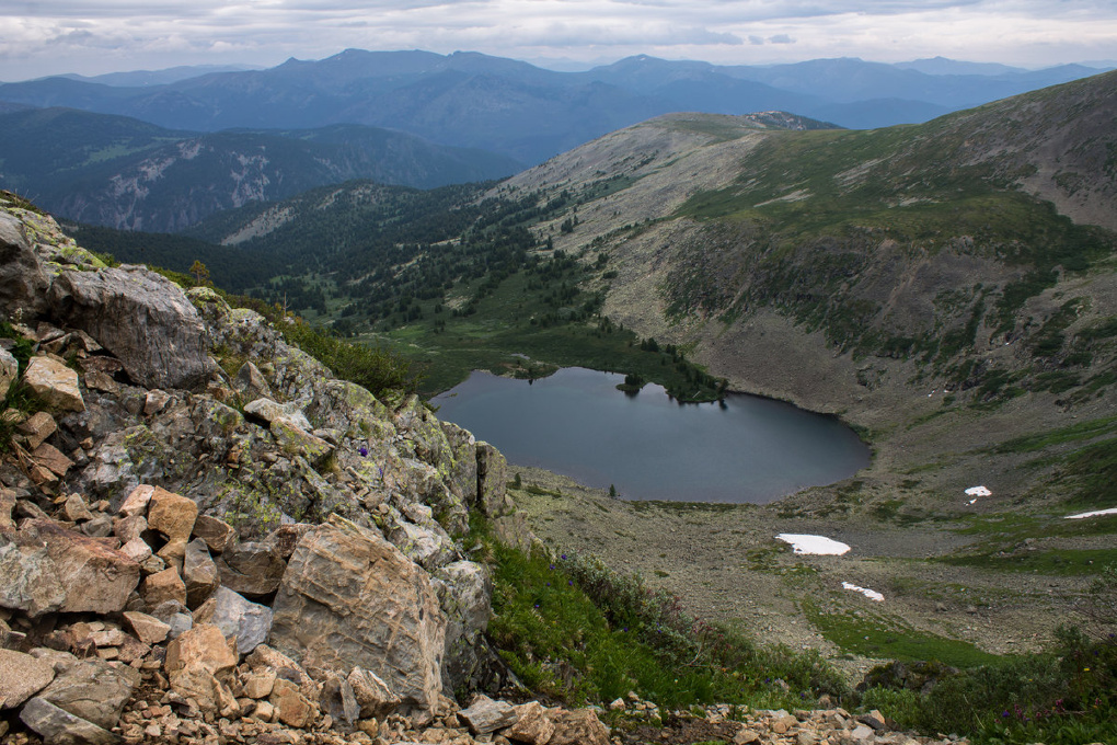 Алтайский СК: погибший в горах турист был из Омска