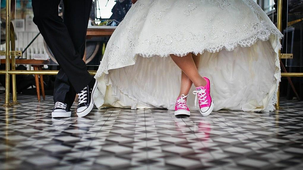 Новосибирцев лишили свадеб в редкую космическую дату