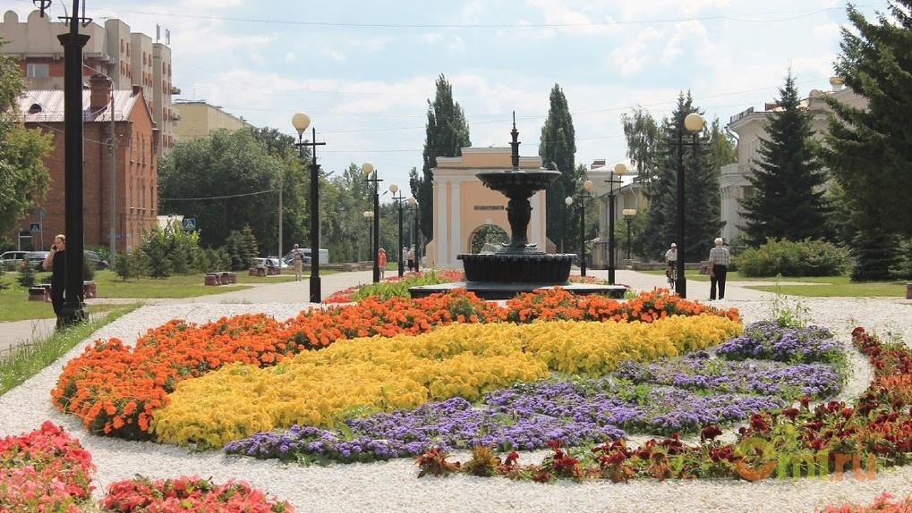В Омске посадят цветы на 2,6 миллиона рублей