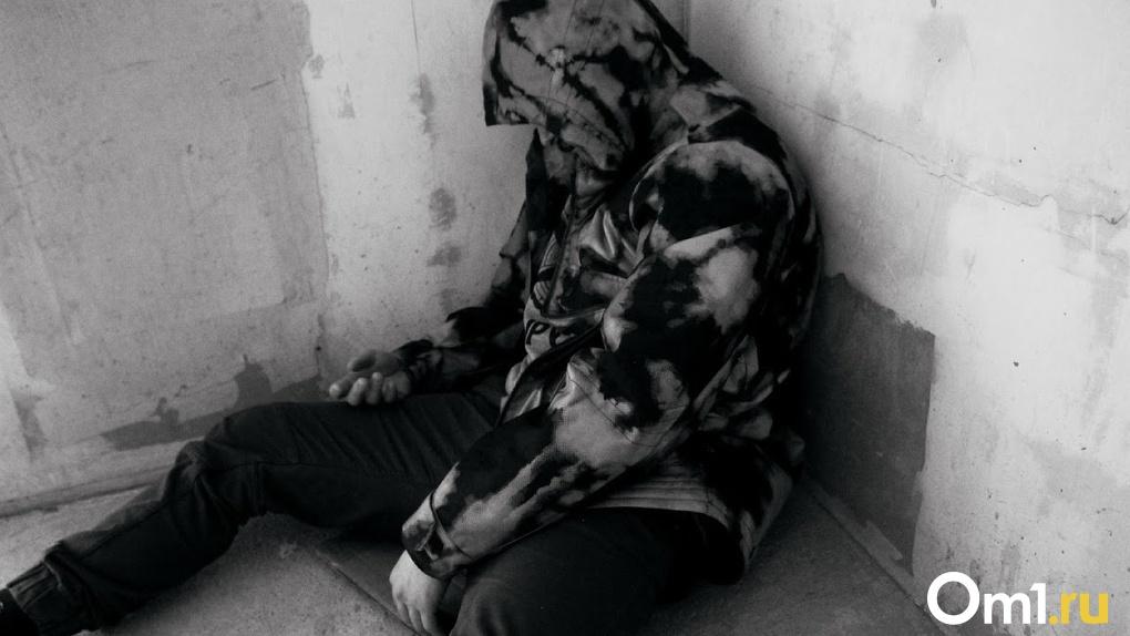 В Омской области массово умирают молодые мужчины. За сутки — пять смертей