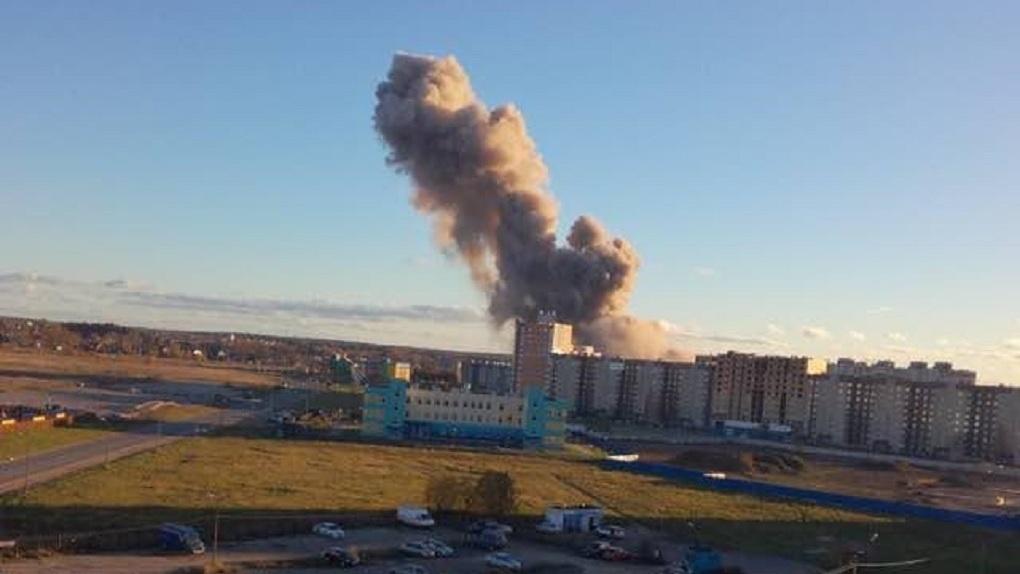 На заводе пиротехники в Ленинградской области прогремел мощный взрыв — Фото