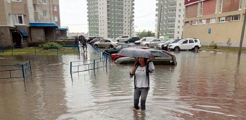 Пятничный ливень в Омске побил рекорд по количеству осадков