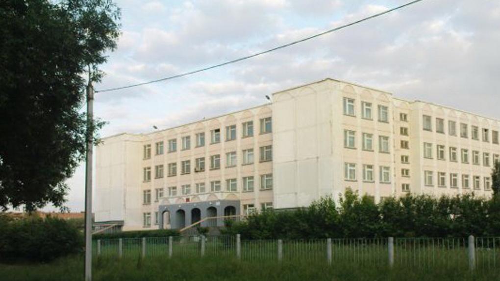 Директор школы на Московке – самая богатая в Омске среди коллег