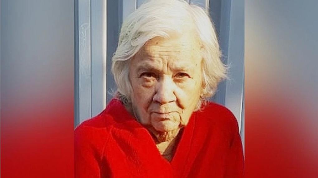 82-летнюю пенсионерку с нарушениями слуха нашли мёртвой в Новосибирской области