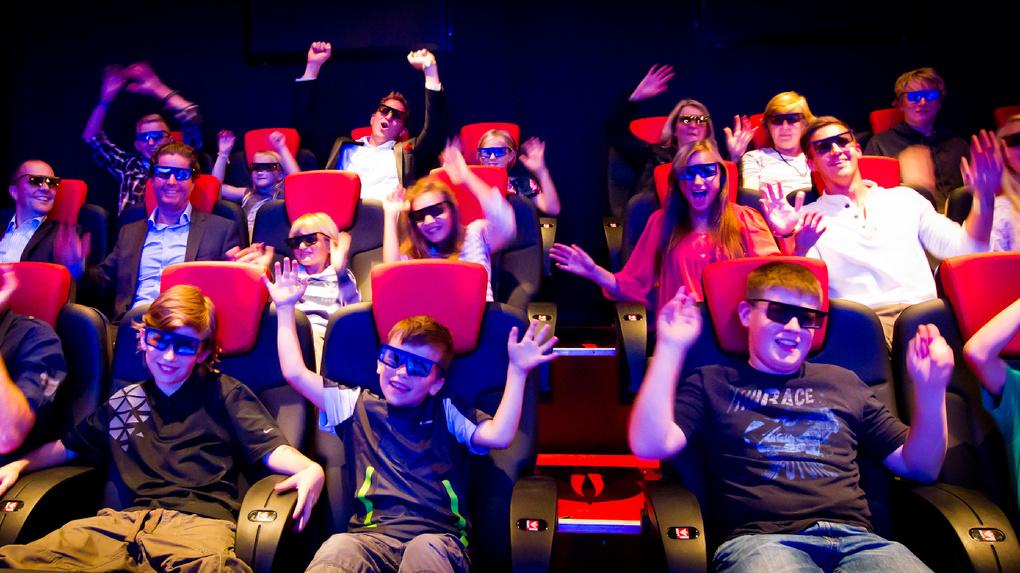 Министр культуры открыл 16-й 3D-кинотеатр в Омской области
