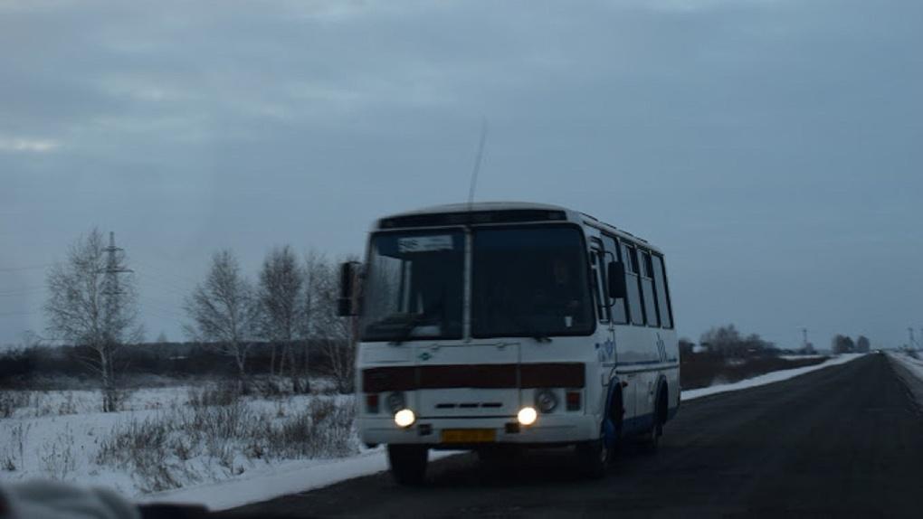 Омские чиновники подвергали детей опасности, возя их на непроверенных автобусах
