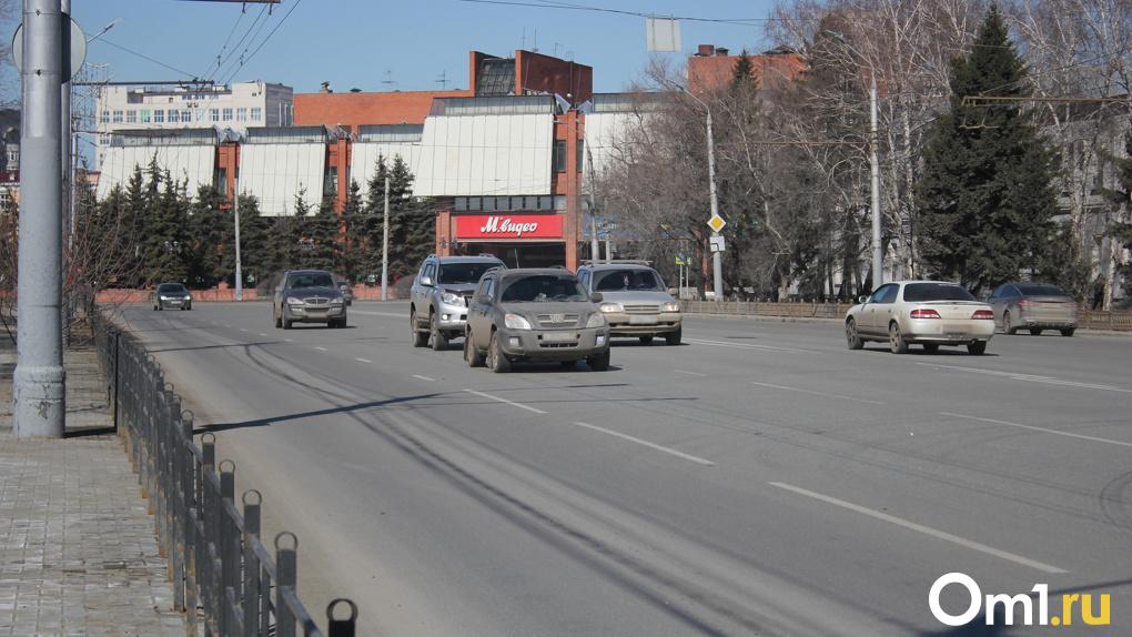 Омские водители получают фейковые листовки о штрафах с QR-кодами