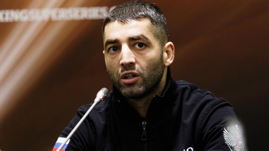 Новосибирский боксер Михаил Алоян завоевал золотой пояс WBA