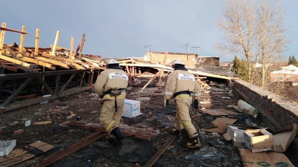 Губернатор Омской области взял на контроль ликвидацию последствий порывистого ветра
