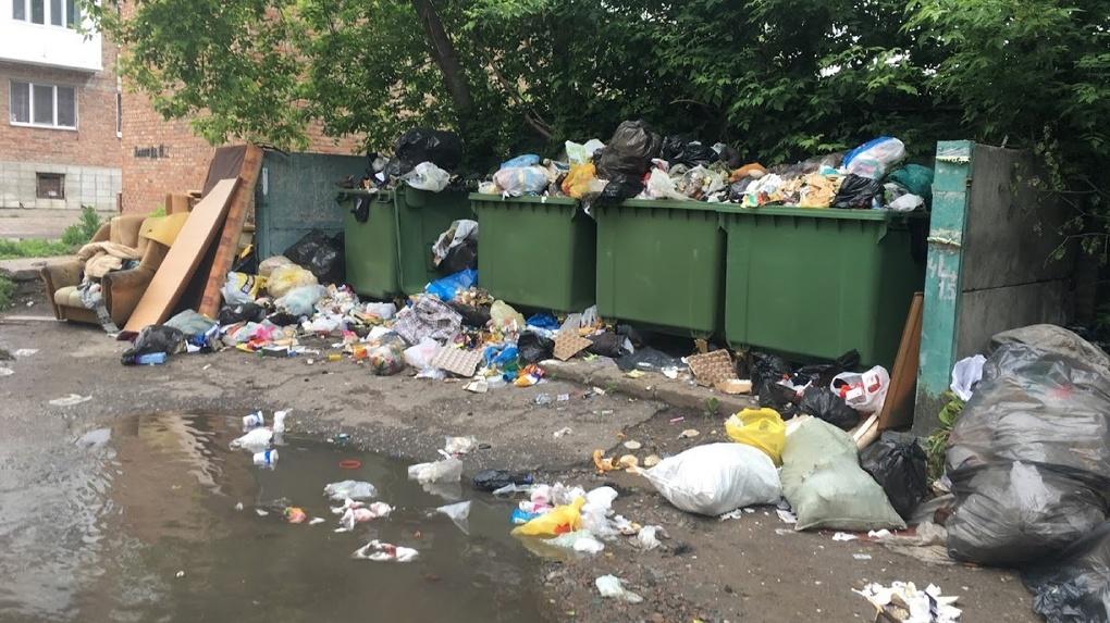 Новосибирские депутаты выступили против незаконного повышения тарифа на вывоз мусора