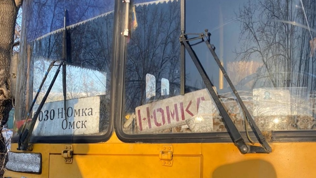 Омичей возили на автобусе с поломанными тормозами