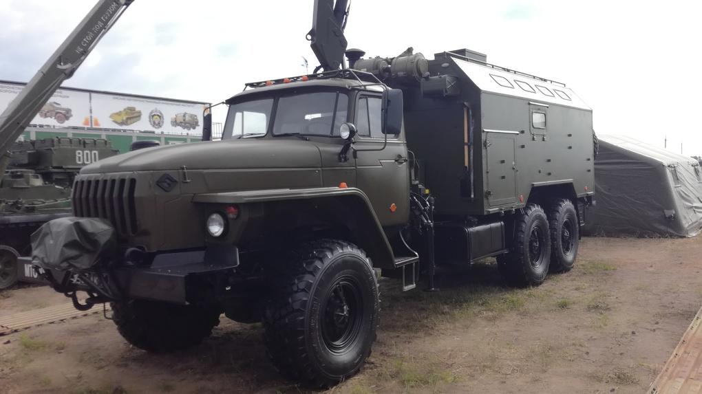 В Омске на «Рембате» прошла выставка военной техники и оружия