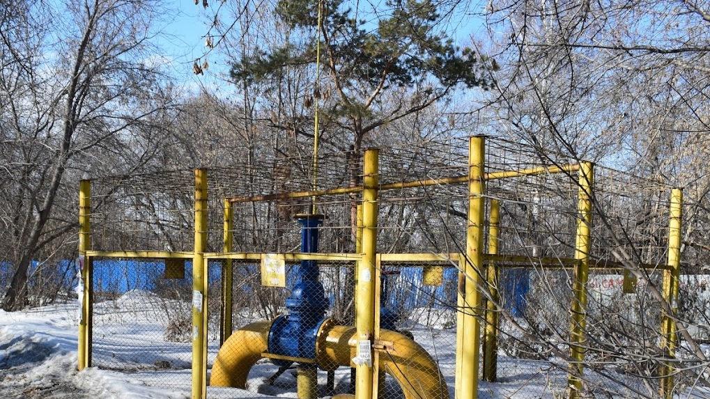 В пригороде Омска водитель оставил без газа целый посёлок