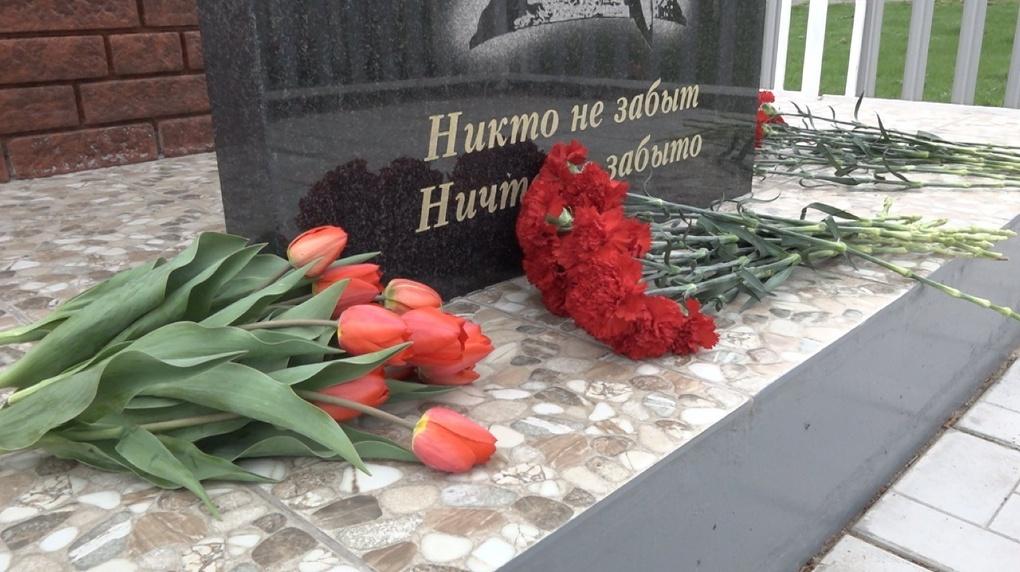 Губернатор побывал в омских селах на открытии памятников участникам Великой Отечественной войны