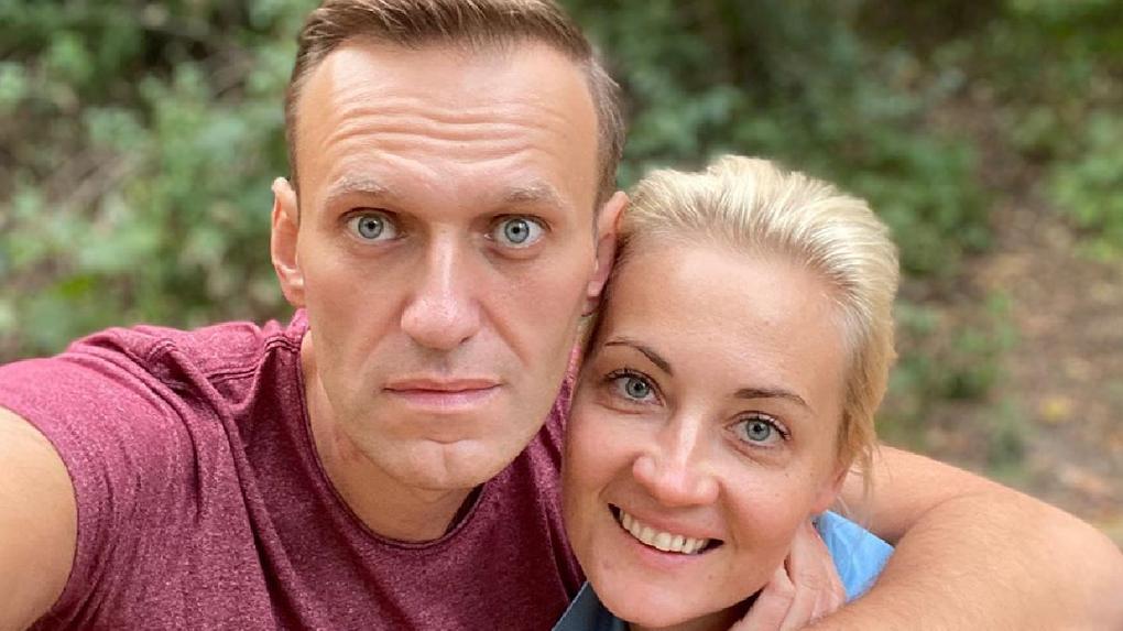 «Вы хорошие люди». Навальный после выписки из немецкой клиники поблагодарил омских врачей за спасение