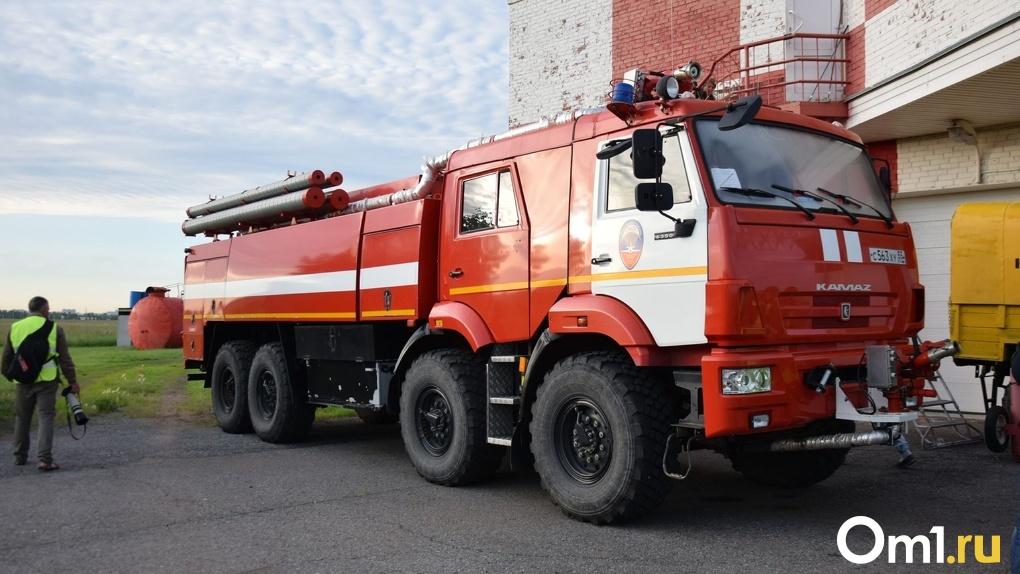 В Омске из горящего дома спасли более 20 человек