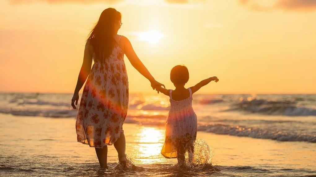 Омичке пришлось через суд добиваться права вывезти своих детей на море