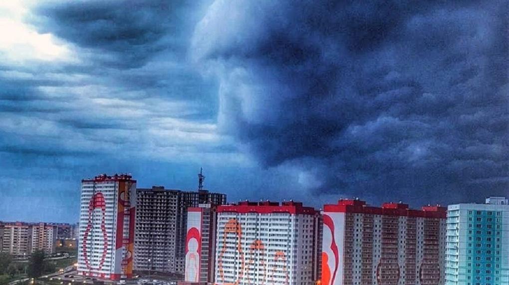 Небесный лик заметили жители одного из жилых комплексов Новосибирска